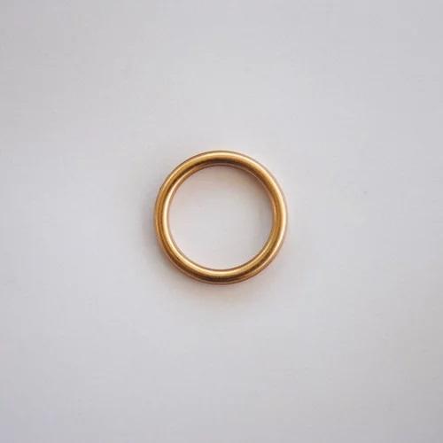טבעת זהב קטנה