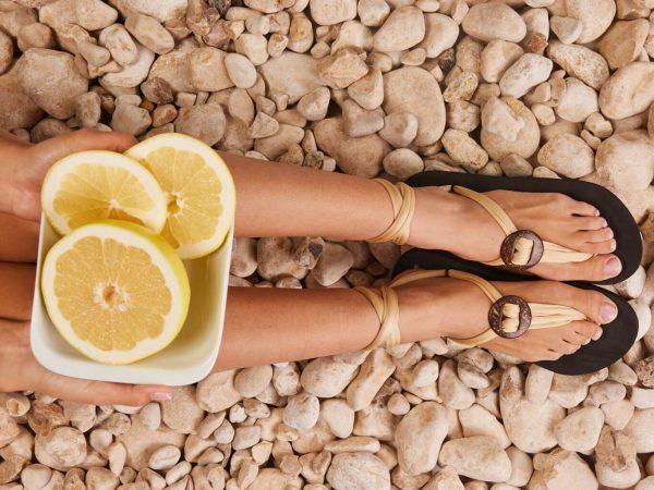 סנדל קיץ עם שרוכים קצרים – בז׳