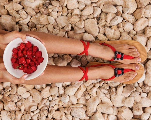 סנדל קיץ עם שרוכים קצרים – אדום