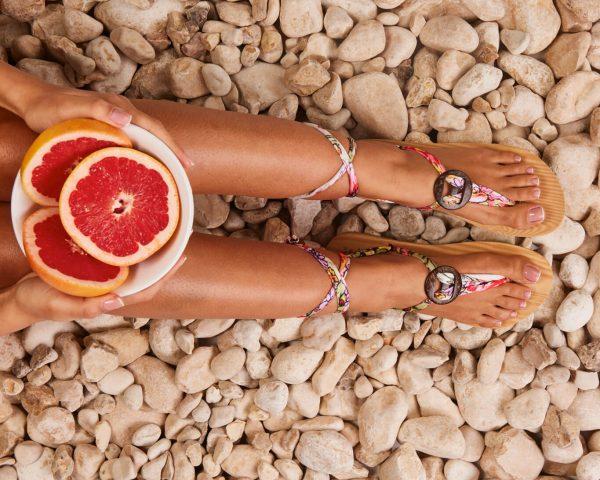 סנדל קיץ עם שרוכים קצרים – ורוד/לבן
