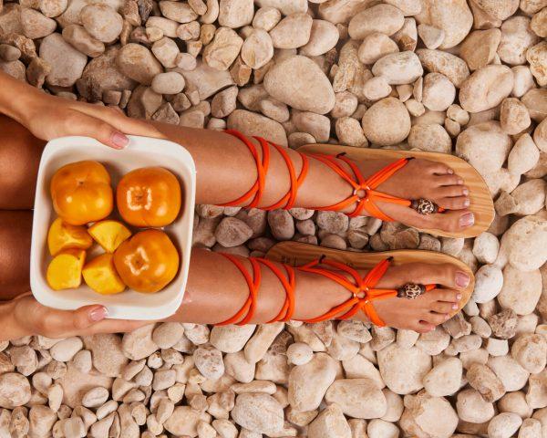סנדל קיץ עם שרוכים ארוכים – כתום תפוז