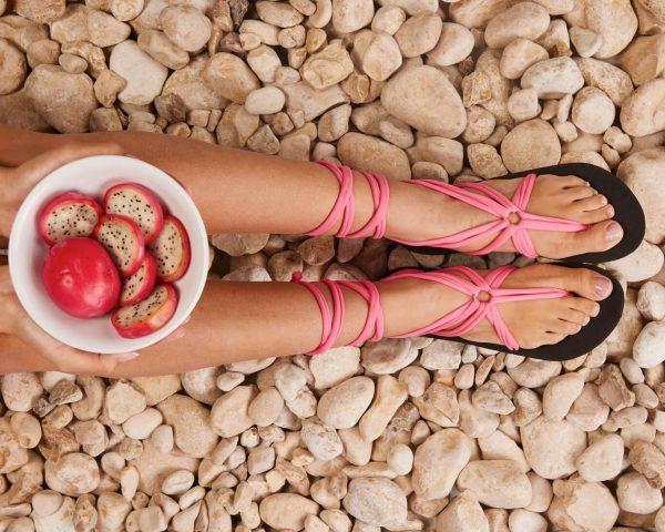 סנדל קיץ עם שרוכים ארוכים – ורוד בייבי