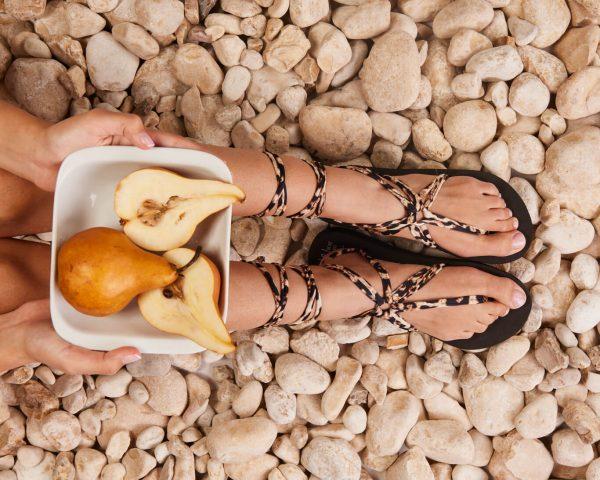 סנדל קיץ עם שרוכים ארוכים – מנומר