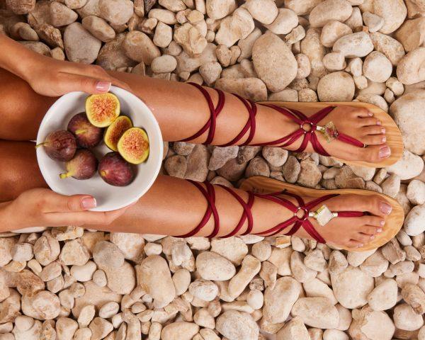 סנדל קיץ עם שרוכים ארוכים – בורדו