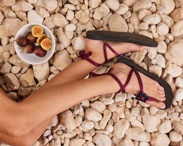 סנדל קיץ עם שרוכים קצרים – ארגמן