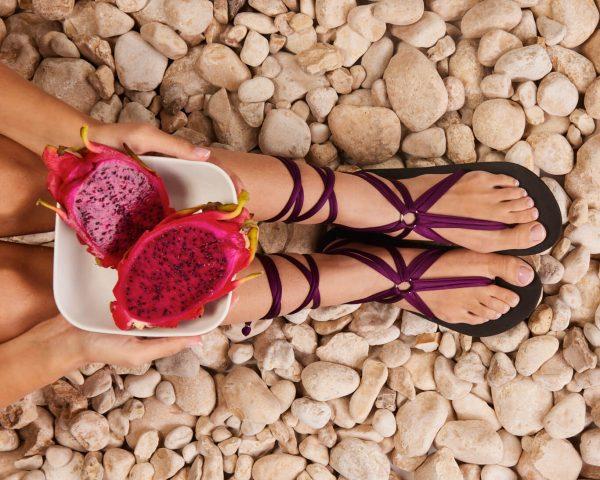סנדל קיץ עם שרוכים ארוכים – ארגמן