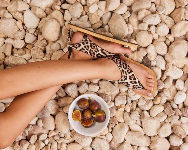 סנדל קיץ עם גרב עליונה – מנומר